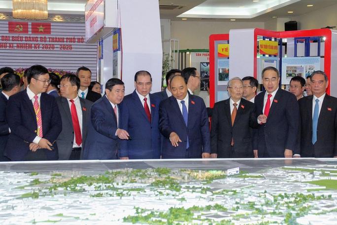 Hình ảnh lãnh đạo, nguyên lãnh đạo Đảng, Nhà nước dự khai mạc Đại hội Đảng bộ TP HCM - Ảnh 1.