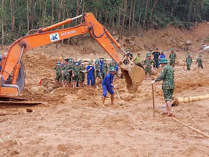 Đã tìm thấy 12 thi thể trong Đoàn cán bộ công tác gặp nạn ở khu Rào Trăng 3 - Ảnh 6.