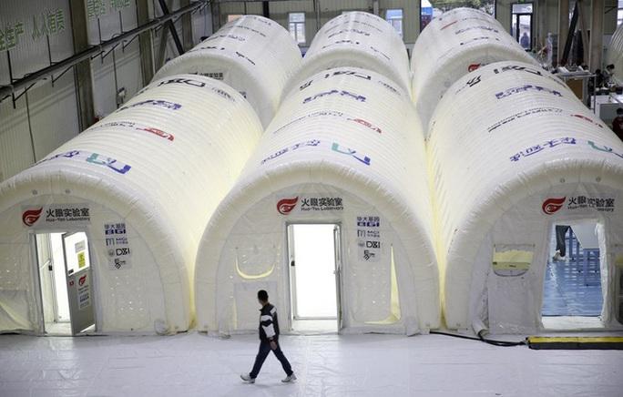 Trung Quốc: Bị xử lý nặng vì để ổ dịch Covid-19 mới bùng phát ở Thanh Đảo - Ảnh 2.