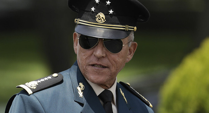Cựu bộ trưởng quốc phòng Mexico bị bắt ngay tại sân bay Mỹ - Ảnh 1.