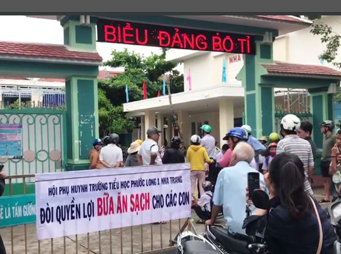 Nha Trang: Lập đoàn kiểm tra trường tiểu học bị tố xà xẻo bữa ăn học sinh tiểu học - Ảnh 2.