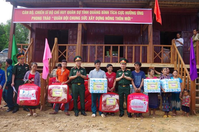 Đất mẹ Quảng Bình khóc thương tướng Nguyễn Văn Man - Ảnh 4.