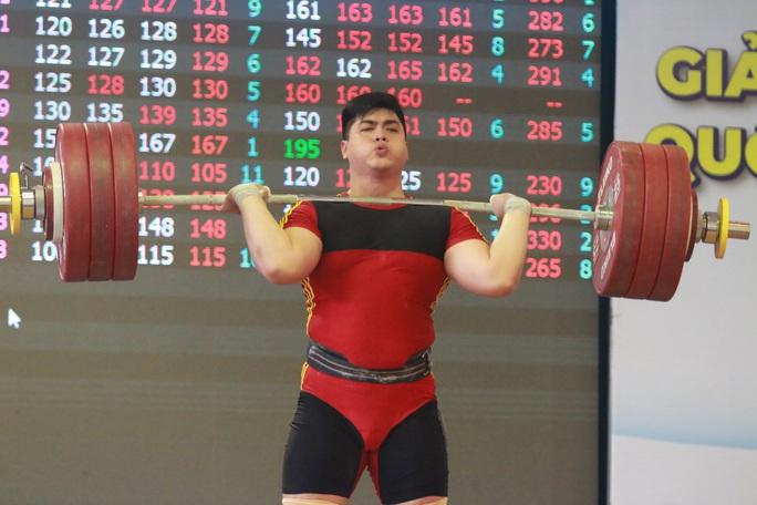 5 phút phá ba kỷ lục, Nguyễn Văn Trọng giành danh hiệu Người khỏe nhất Việt Nam - Ảnh 2.