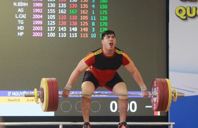 5 phút phá ba kỷ lục, Nguyễn Văn Trọng giành danh hiệu Người khỏe nhất Việt Nam - Ảnh 1.