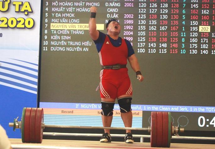 5 phút phá ba kỷ lục, Nguyễn Văn Trọng giành danh hiệu Người khỏe nhất Việt Nam - Ảnh 3.
