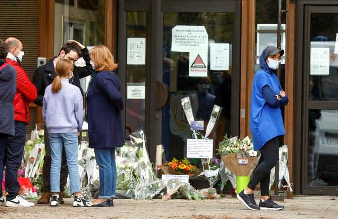 Nước Pháp rúng động vì tấn công khủng bố - Ảnh 1.