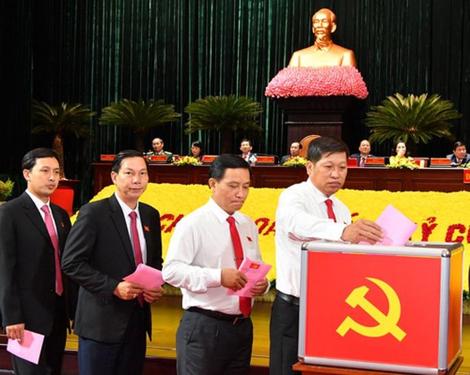 Ông Nguyễn Văn Nên đắc cử Bí thư Thành ủy TP HCM - Ảnh 1.