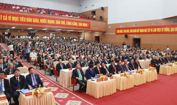 Thủ tướng Nguyễn Xuân Phúc dự chỉ đạo Đại hội Đảng bộ tỉnh Nghệ An - Ảnh 2.