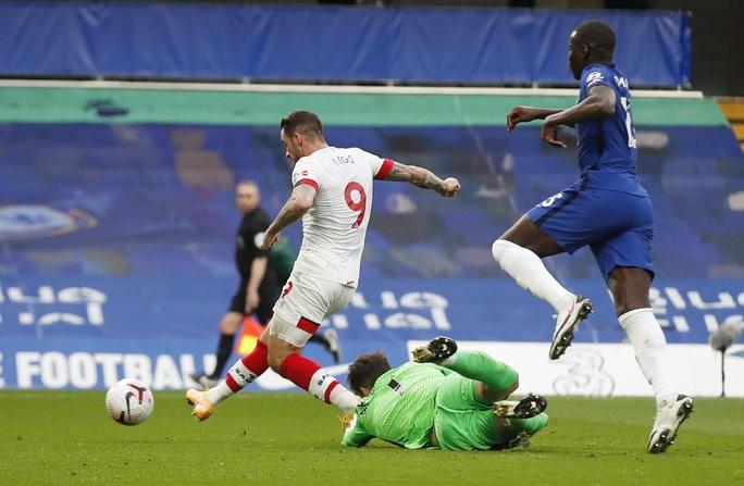 Công làm thủ phá, Chelsea mất ngôi nhì bảng Ngoại hạng - Ảnh 4.