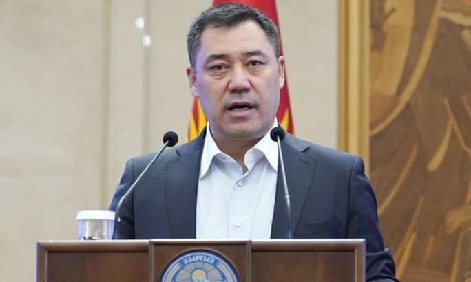 Kyrgyzstan: Từ tù nhân thành tổng thống trong vòng 1 tuần - Ảnh 1.