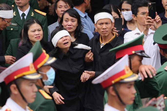 Lễ truy điệu 13 liệt sĩ hy sinh tại Rào Trăng 3 - Ảnh 7.