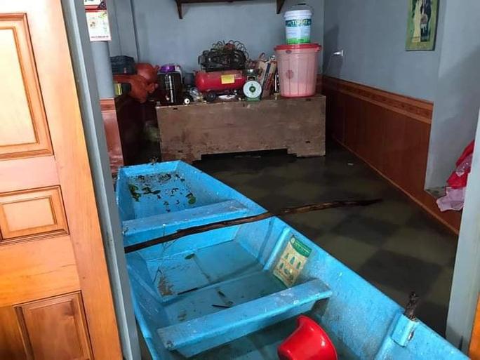 Mưa lớn, Hà Tĩnh khẩn trương sơ tán hơn 7.000 dân khỏi nơi nguy hiểm - Ảnh 4.