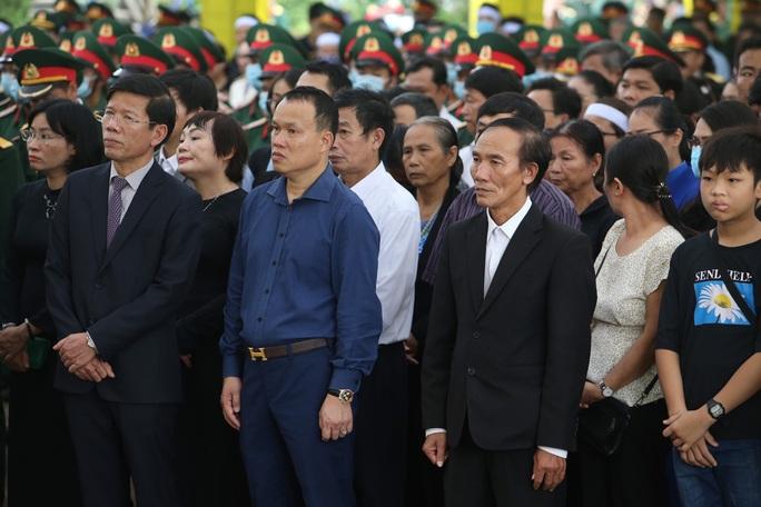 Lễ truy điệu 13 liệt sĩ hy sinh tại Rào Trăng 3 - Ảnh 5.