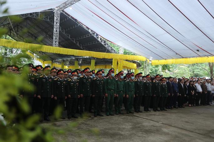 Lễ truy điệu 13 liệt sĩ hy sinh tại Rào Trăng 3 - Ảnh 4.