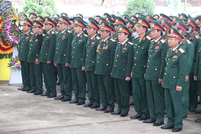 Lễ truy điệu 13 liệt sĩ hy sinh tại Rào Trăng 3 - Ảnh 2.