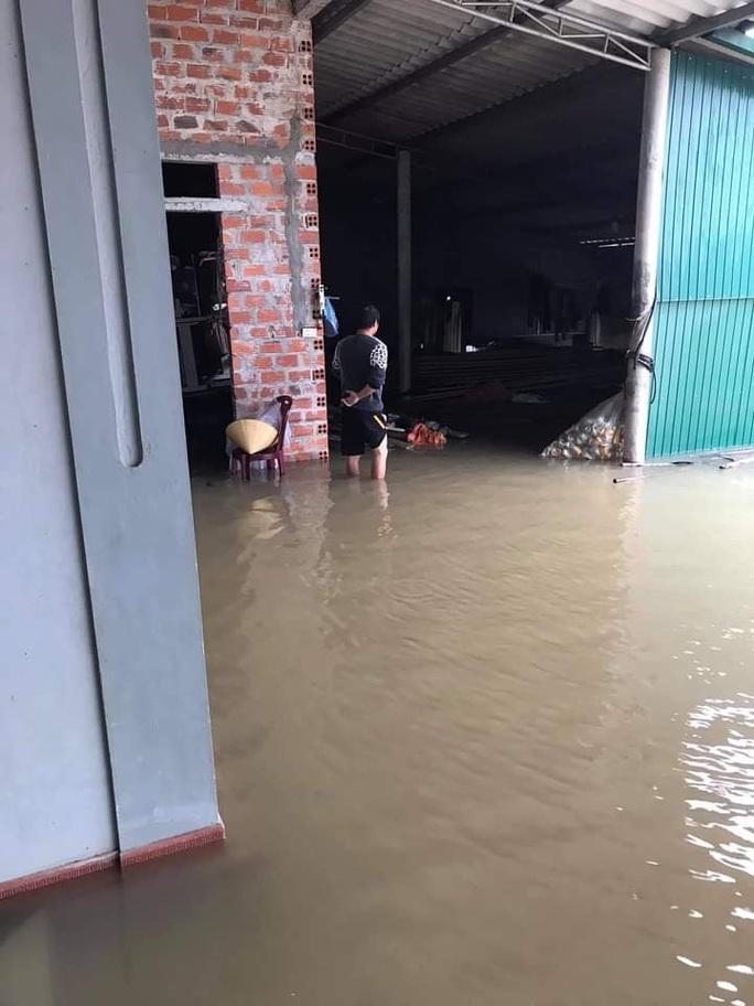 Mưa lớn, Hà Tĩnh khẩn trương sơ tán hơn 7.000 dân khỏi nơi nguy hiểm - Ảnh 6.