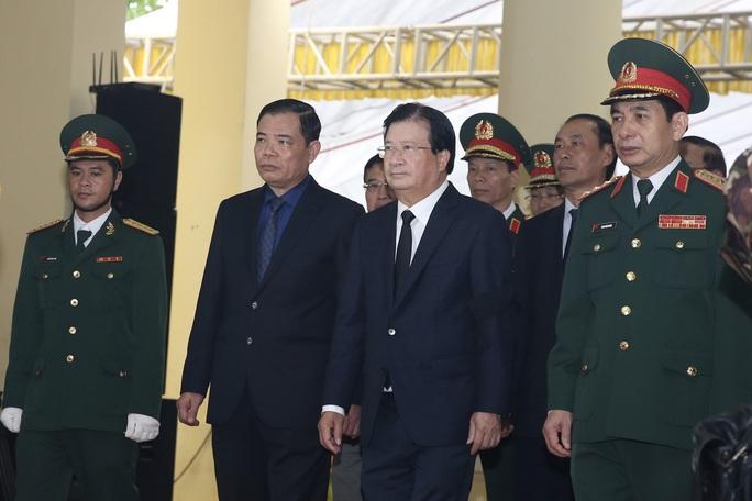 Xúc động Lễ tang 13 liệt sĩ hy sinh tại Rào Trăng 3 - Ảnh 4.