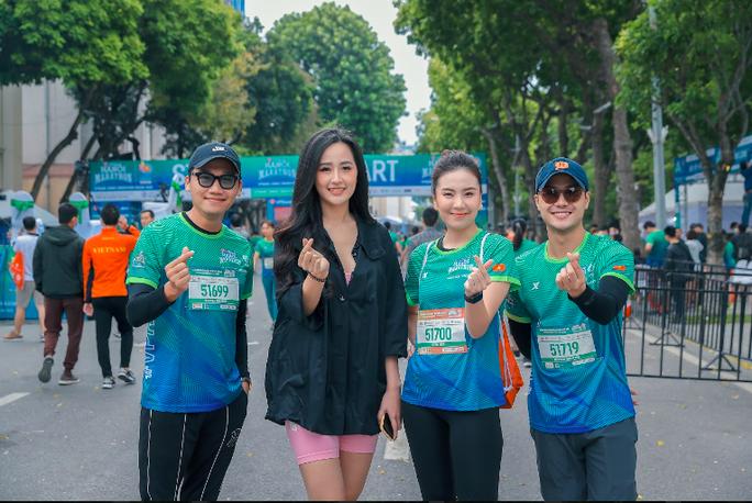 Diễn viên Xuân Nghị, Thanh Sơn lần đầu chạy thi cùng hot girl thời tiết Mai Ngọc của VTV - Ảnh 6.