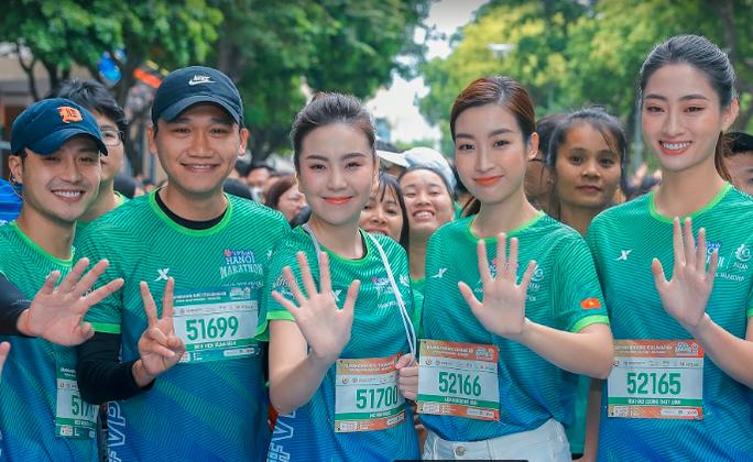 Diễn viên Xuân Nghị, Thanh Sơn lần đầu chạy thi cùng hot girl thời tiết Mai Ngọc của VTV - Ảnh 7.