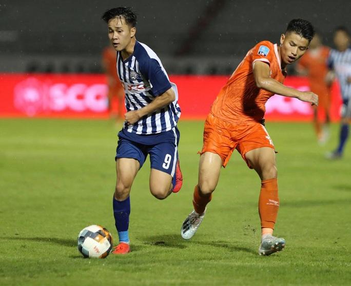 CLB Bà Rịa - Vũng Tàu thua sốc Bình Định ngay trên sân nhà - Ảnh 2.