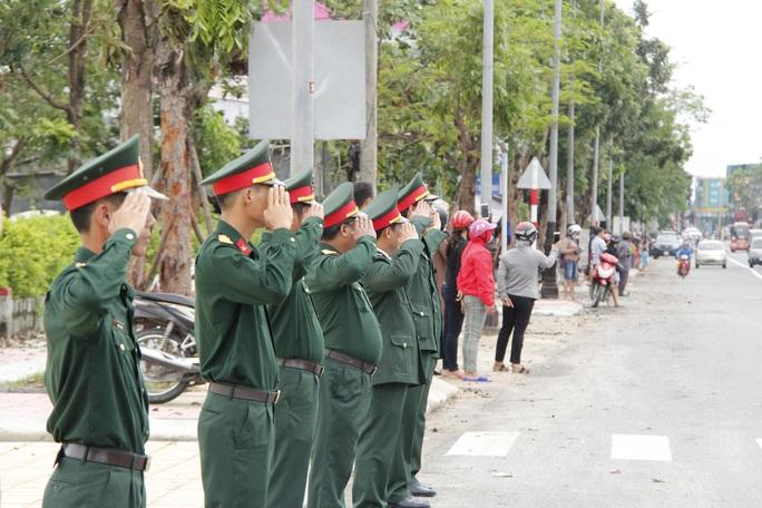 Lễ truy điệu 13 liệt sĩ hy sinh tại Rào Trăng 3 - Ảnh 12.