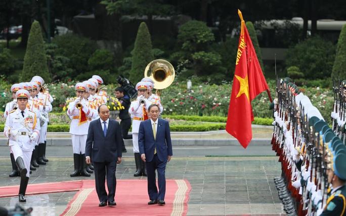 Thủ tướng Nguyễn Xuân Phúc chủ trì lễ đón Thủ tướng Nhật Bản - Ảnh 6.
