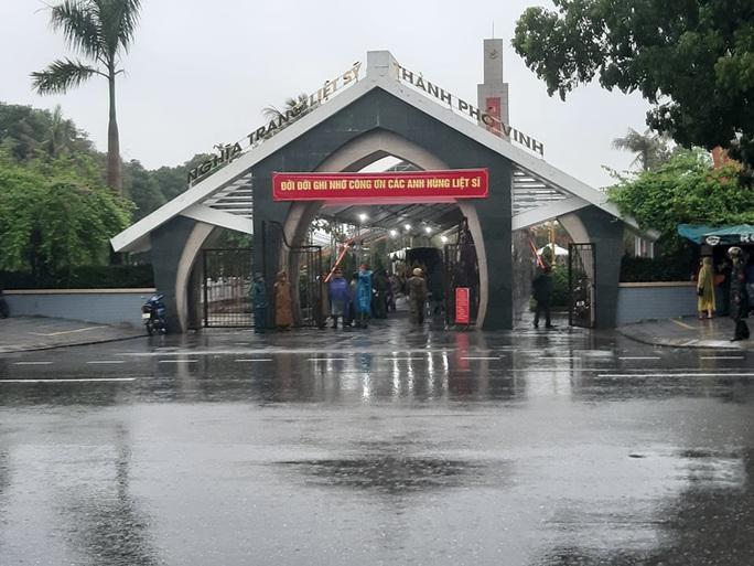 Nghệ An đón 4 liệt sĩ hi sinh ở Rào Trăng về đất mẹ an táng - Ảnh 2.