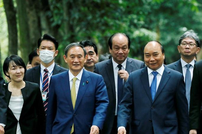 Thủ tướng Nhật Bản thăm Nhà sàn, Ao cá Bác Hồ - Ảnh 1.