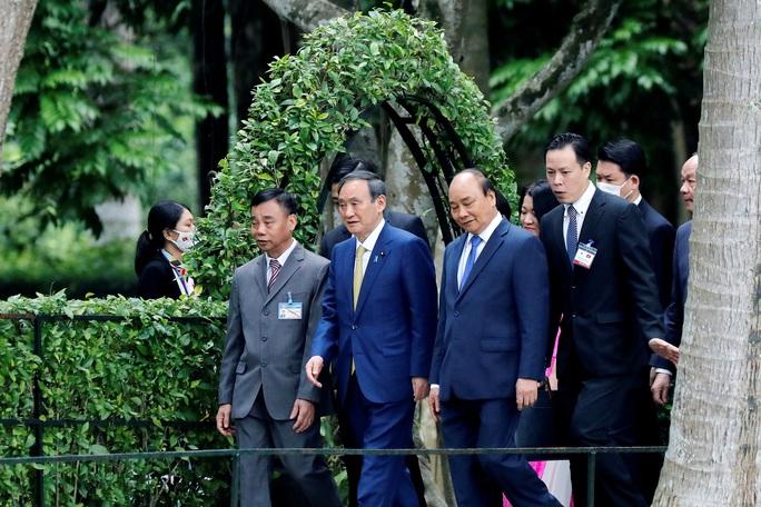Thủ tướng Nhật Bản thăm Nhà sàn, Ao cá Bác Hồ - Ảnh 2.