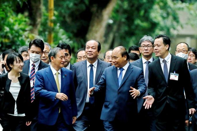 Thủ tướng Nhật Bản thăm Nhà sàn, Ao cá Bác Hồ - Ảnh 3.