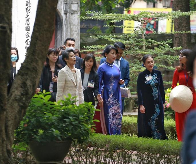 CLIP: Phu nhân Thủ tướng Nhật Bản tham quan Văn Miếu - Quốc Tử Giám - Ảnh 6.