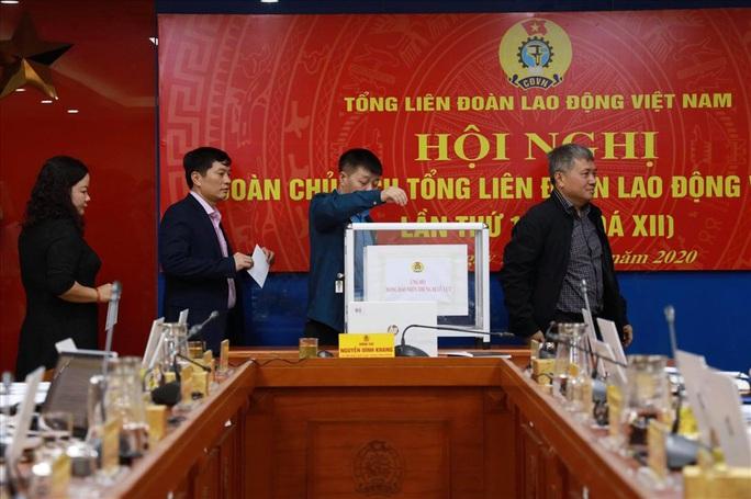 Tổng LĐLĐ Việt Nam kêu gọi ủng hộ đồng bào miền Trung - Ảnh 1.