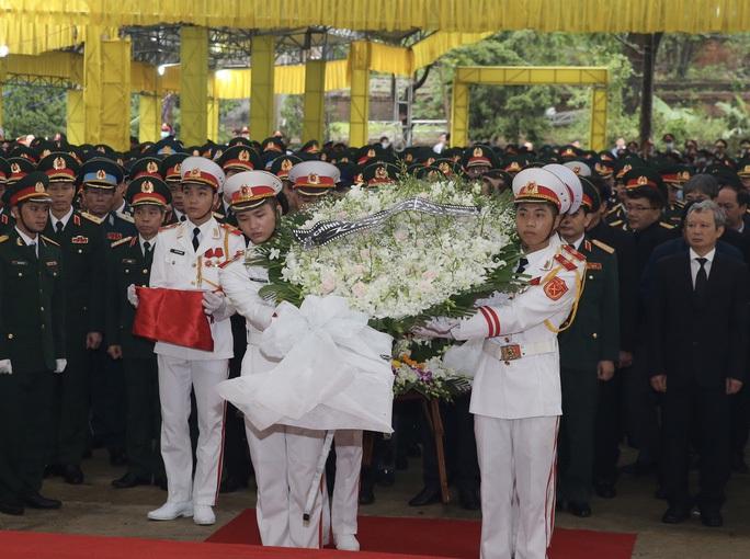 Nghệ An đón 4 liệt sĩ hi sinh ở Rào Trăng về đất mẹ an táng - Ảnh 1.