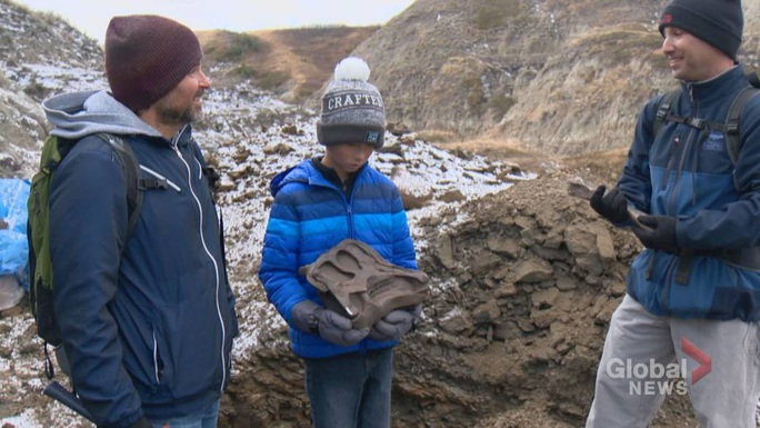 Đi dã ngoại, cậu bé 12 tuổi tìm ra quái thú 69 triệu tuổi - Ảnh 1.