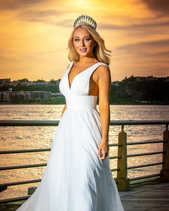 Nhiều hoa hậu mới đăng quang đã bị chê nhan sắc - Ảnh 1.