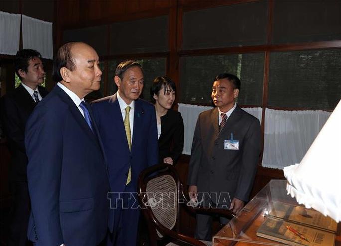 Thủ tướng Nhật Bản thăm Nhà sàn, Ao cá Bác Hồ - Ảnh 9.