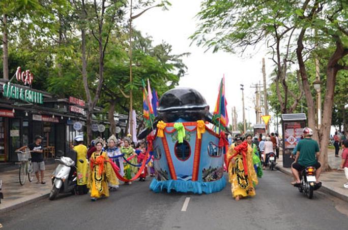 Vực dậy du lịch 7 tỉnh, thành Đông Nam Bộ - Ảnh 1.