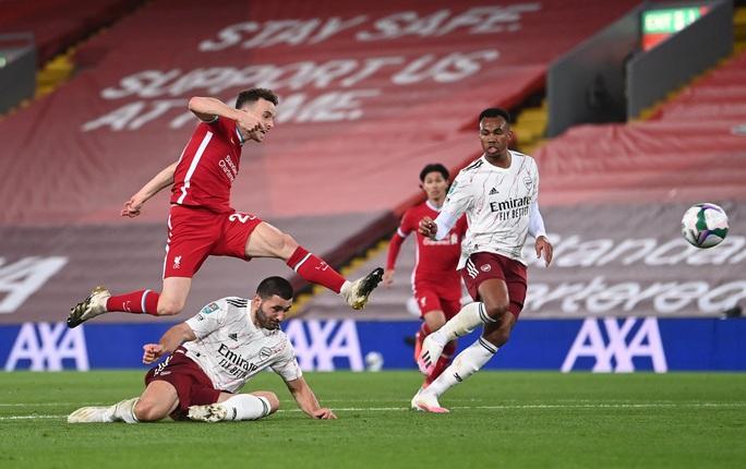 Đại chiến nhạt nhòa, Liverpool trắng tay League Cup trước Arsenal - Ảnh 3.