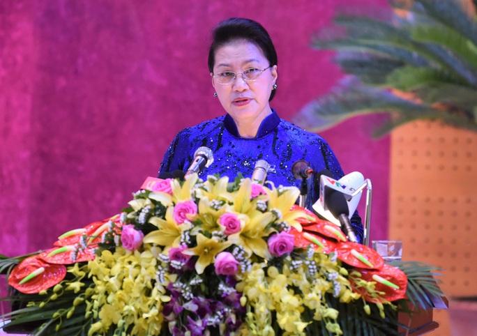 Chủ tịch Quốc hội Nguyễn Thị Kim Ngân chỉ đạo Đại hội Đảng bộ tỉnh Hòa Bình - Ảnh 1.