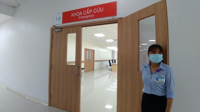 Sáng nay, Bệnh viện Ung Bướu hiện đại nhất TP HCM bắt đầu khám bệnh - Ảnh 4.