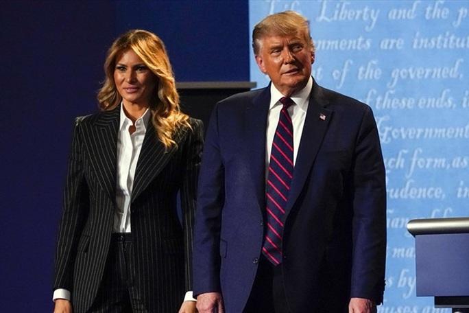 Tổng thống Trump mắc Covid-19: Người buồn, chứng khoán lao dốc - Ảnh 1.