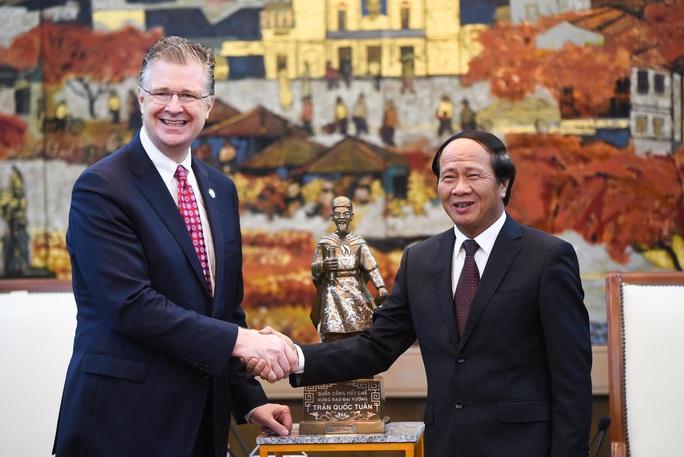Đại sứ Mỹ thăm di tích lịch sử Bạch Đằng - Ảnh 2.