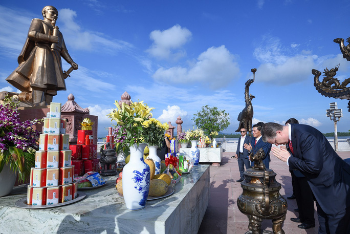 Đại sứ Mỹ thăm di tích lịch sử Bạch Đằng - Ảnh 3.