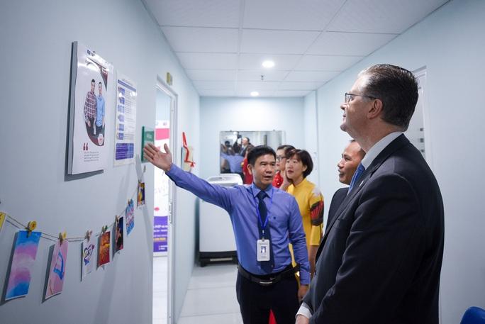 Đại sứ Mỹ thăm di tích lịch sử Bạch Đằng - Ảnh 8.