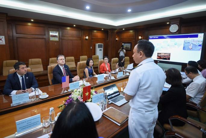 Đại sứ Mỹ thăm di tích lịch sử Bạch Đằng - Ảnh 9.