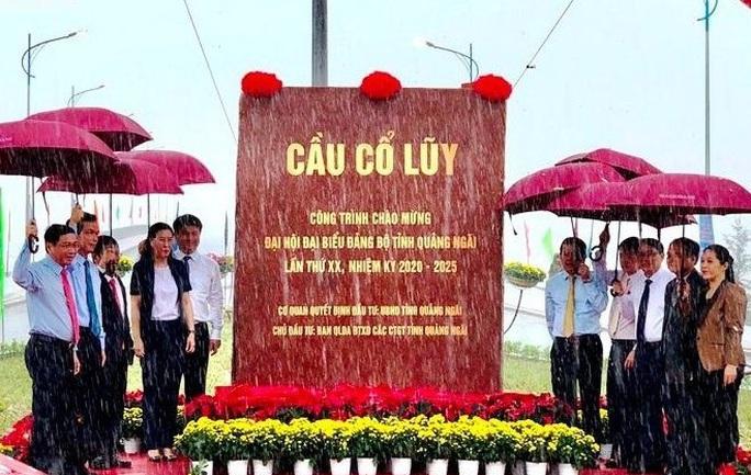 Bà Tòng Thị Phóng dự khai mạc Đại hội đại biểu Đảng bộ tỉnh Quảng Ngãi  - Ảnh 7.