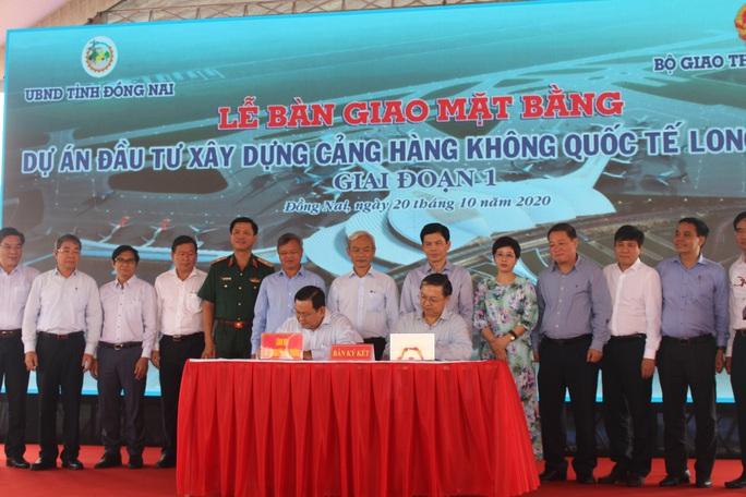 Giao đất để bắt đầu thi công sân bay Long Thành - Ảnh 1.
