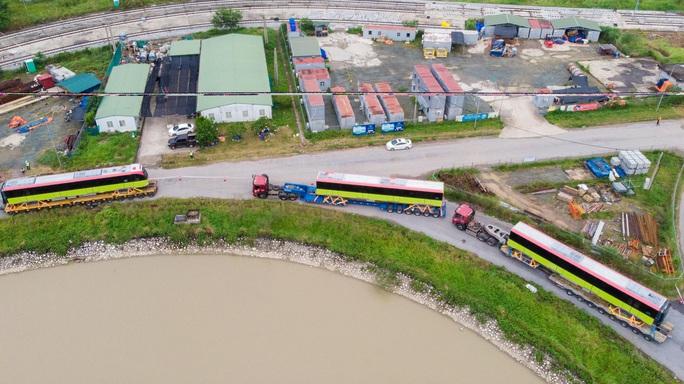 CLIP: Cận cảnh đoàn tàu đường sắt bằng hợp kim nhôm do Pháp sản xuất về đến Hà Nội - Ảnh 11.