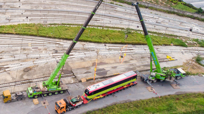 CLIP: Cận cảnh đoàn tàu đường sắt bằng hợp kim nhôm do Pháp sản xuất về đến Hà Nội - Ảnh 13.