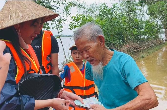 Thủy Tiên trải lòng về số tiền từ thiện hơn 100 tỉ đồng - Ảnh 2.